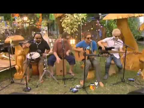 Jason Mraz - Im Yours (Live backstage at Glastonbury)