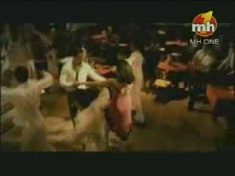Aaiye Meherbann (kunika Sexy Singing) video