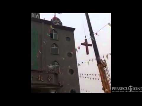 Chinese Christians sing while church cross is removed By Government
