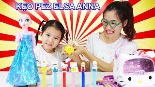 ĂN VÀ CẢM NHẬN KẸO PEZ Candy 😍 Elsa Anna và Hello Kitty ♥ Dâu Tây Channel