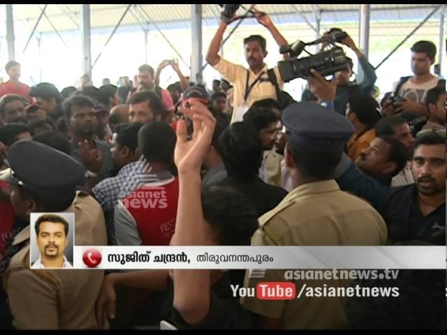 Protest in Drama competition Venue  Kerala School Kalolsavam 2016