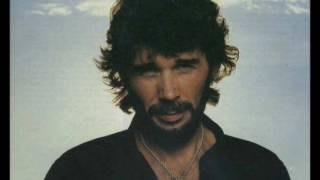 Watch Eddie Rabbitt Aint I Something video