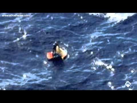 48 horas a la deriva tras hundirse su velero