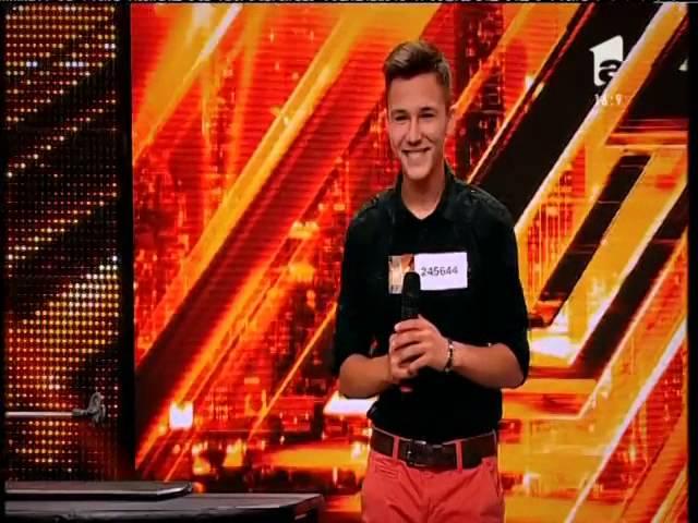 Jurizare: Vlad Cearâc merge în următoarea etapă X Factor