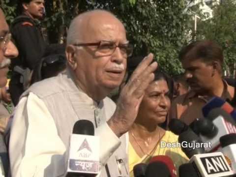 Shri Lal Krishna Advani on Swachchata abhiyan in Ahmedabad Gujarat
