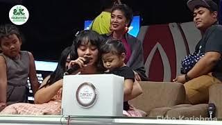 Download Lagu Kocak LESTI Sambil Nyanyi Sambil Ngasuh Anak Gratis STAFABAND