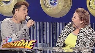 "Vice Ganda, Karla Estrada sing ""Ang Pipit"" on It's Showtime"