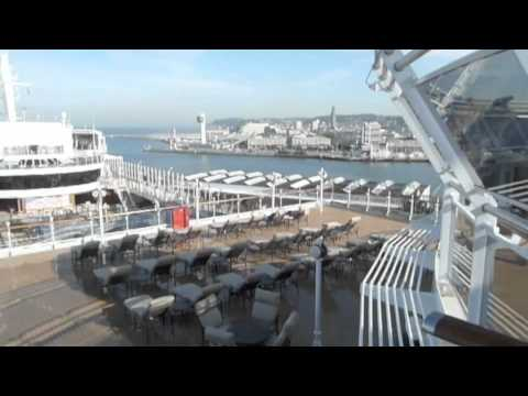 Cunard Queen Elizabeth Ship: tour of the decks and exterior