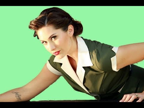 Everyday Retro Hairstyle for Pin Up Girls - 1950's Pin Up Girl - Retro Hairstyle - Vintage