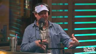 """Download Lagu """"His Voice is So Freakin' Big!"""" -Tracy Lawrence about Luke Combs Gratis STAFABAND"""