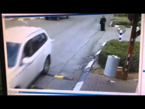 Cold blooded female Arab terrorist stabs security guard in Israel