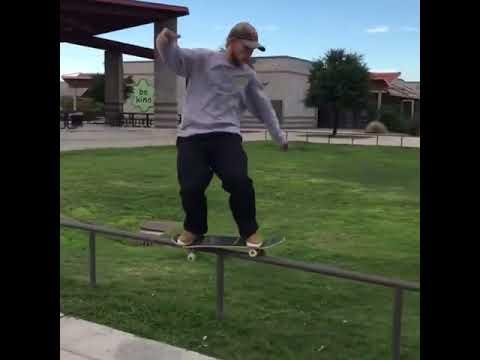 💬 @jamie_foy 📱: @tyevans | Shralpin Skateboarding
