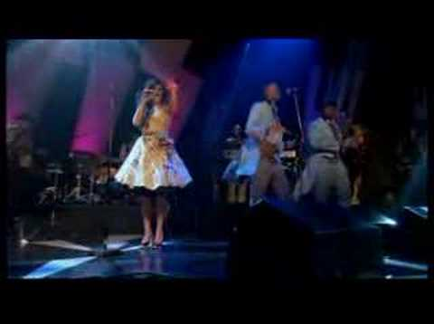 Amy Winehouse - Rehab (Live on Jools Holland)