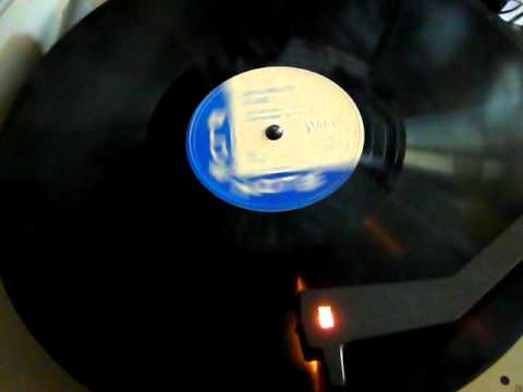 Teddy Bunn - Bachelor Blues - Blue Note 78rpm Guitar Solo with Vocal