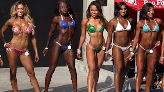 Sexy Hot Short Bikini Girls Compete