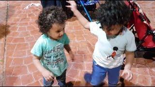 يرقصون على أغاني اليوم الوطني