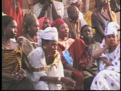 Guew Bi - Sabar Dance - Directed by Françoise Bouffault