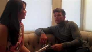 Leandro Penna en un intento por comunicarse con una periodista inglesa
