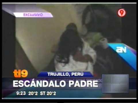 Marido filma a su mujer cuando mantenía relaciones con el cura del lugar