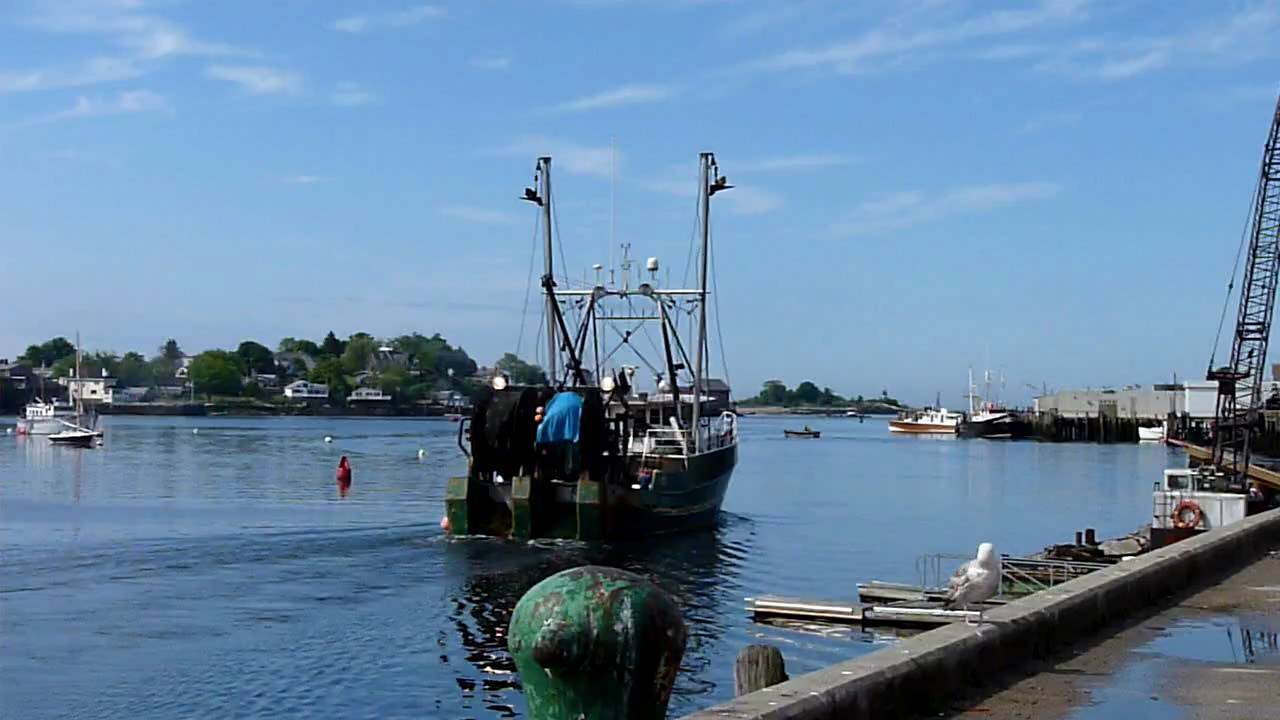 Fishing boats on the move gloucester harbor gloucester for Mass commercial fishing license