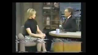 1994 - Ellen Barkin flirts and tells a joke that makes Dave squirm )