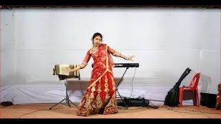 ইসকা ফোনের বিবি আমি সামনে ২ রাজা |||| Iska Poner Bibi Ami 2018 Stage Girls Dance By RajBari Tv