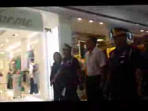 Mar Roxas in action at SM North shooting incident