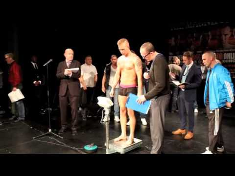 STEPHEN LEWIS v FONZ ALEXANDER WEIGH IN & FACE TO FACE