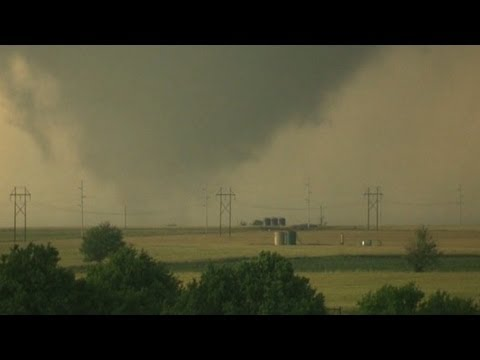 Bill Nye explains 2.6-mile-wide tornado