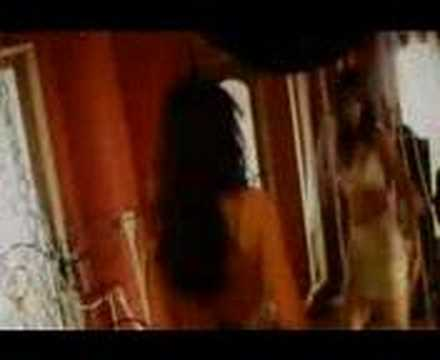 Isha Koppikar-Hot Song (thodi tumse shararat)