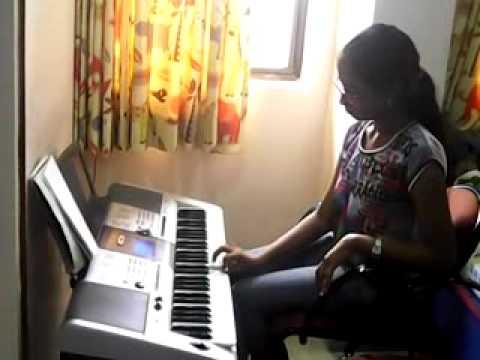 Nannu Dochukunduvate Old Telugu Song On Yamaha I425 Keyboard By T.sahithi video