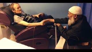 Sering Menghina Islam & Jatuh Sakit, Balasan Umat Islam Sungguh Mengharukan
