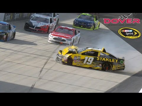 Edwards frustrated with Larson after hard hit in Dover