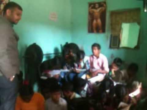 EINDIA members educating in the slum area of Punjabi bagh, Delhi