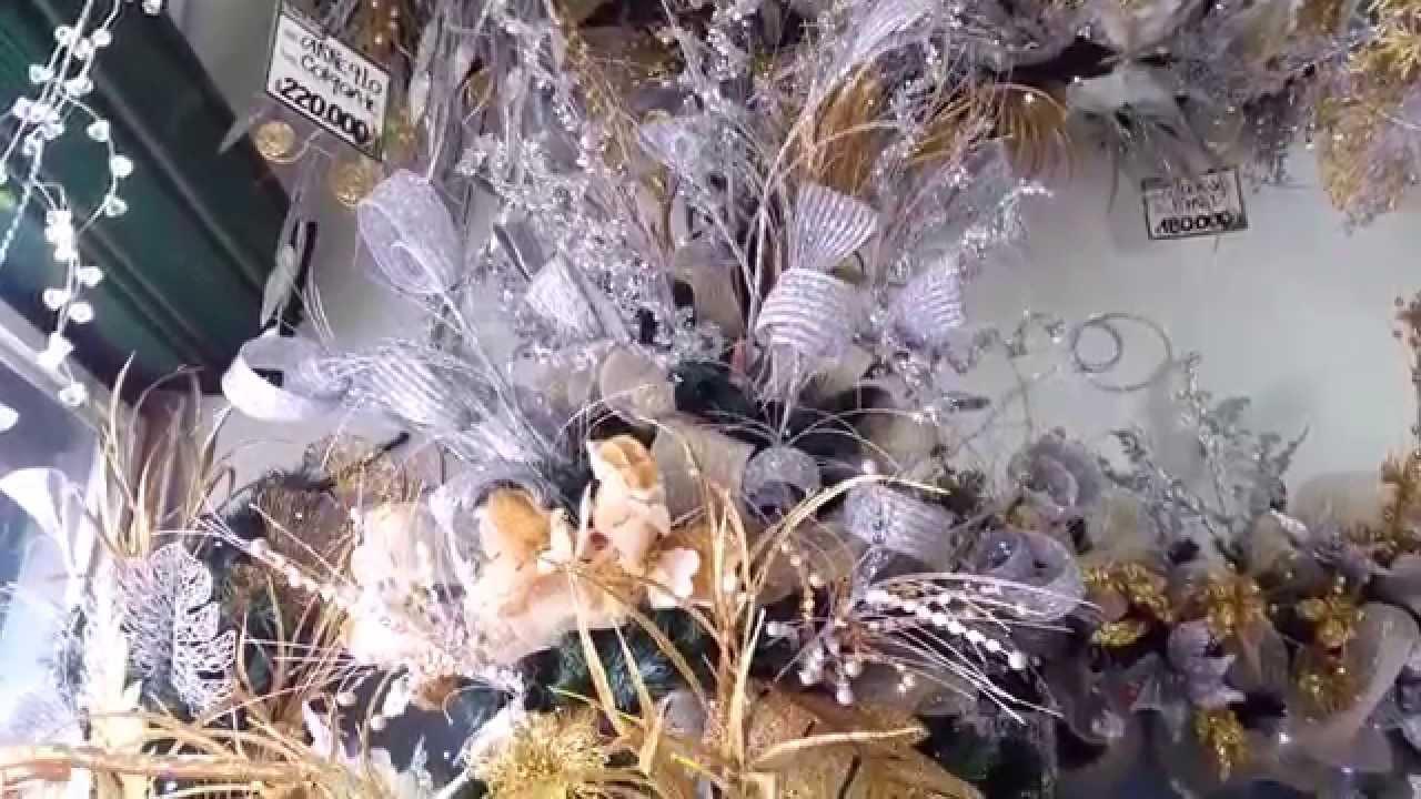 Varias ideas para decorar el arbol de navidad plata 2015 for Decoracion artesanal para el hogar