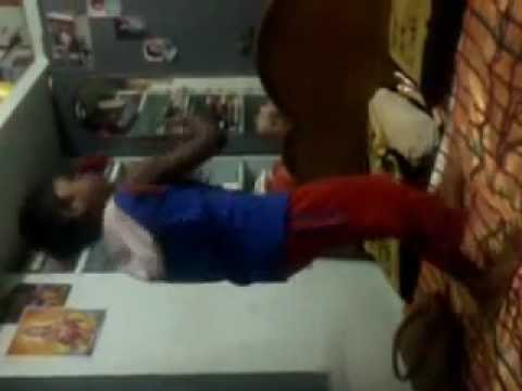 Anna Bond Kanadanthe Mayavadanu Funny Dance By Mohit video