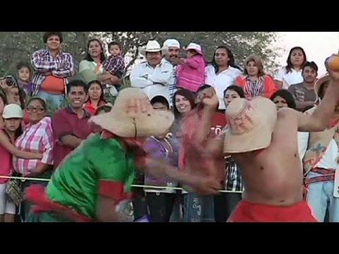 حرب البرتقال وسيلة المكسيكيين للاحتفال بموسم البذر