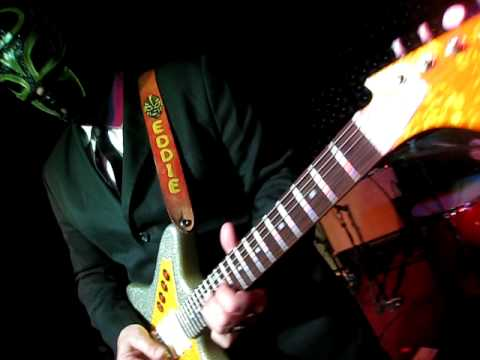 Los Straitjackets - Isnt Love Grand