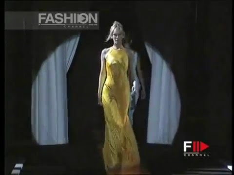 Valeria Mazza - Claudia Schiffer (Human Barbies on the Catwalk)