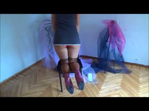 How to wear nylon stockings. thumbnail