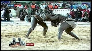 Lutte | Drapeau malick Thiandoum - Victoire de Moussa Ndoye sur Tonnerre