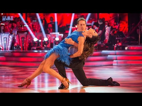 Kirsty Gallacher & Brendan Cole Salsa to 'Can't Touch It' - Strictly Come Dancing: 2015