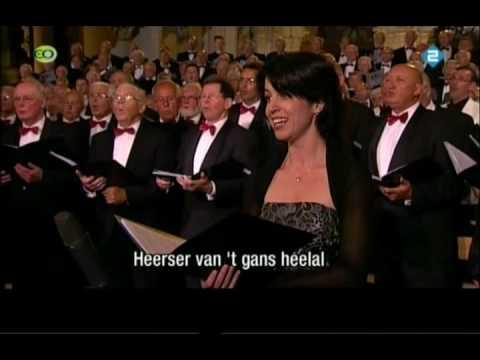 Nederland Zingt - Er Is Een God Die Hoort video