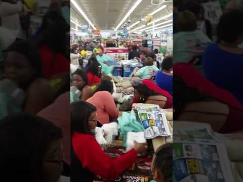 BLACK FRIDAY CRAZY PEOPLE  2016 BAINBRIDGE GA