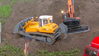 MEGA SHOW - GROßBAUSTELLE - mega RC machines !!! must see!
