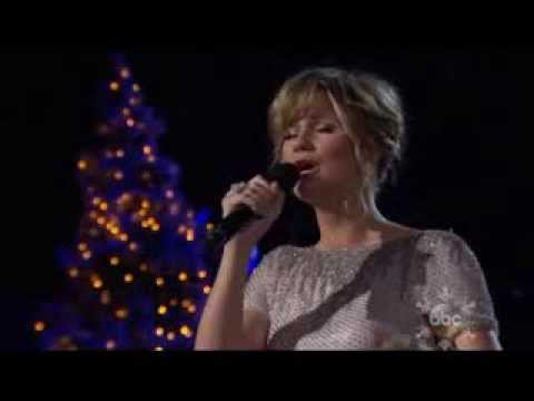 Jennifer Nettles - Christmas Time Is Here video
