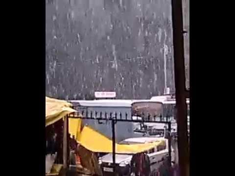 Live Snowfall in Hill Sation at Manali  Himachal Pradesh India in Year 2014