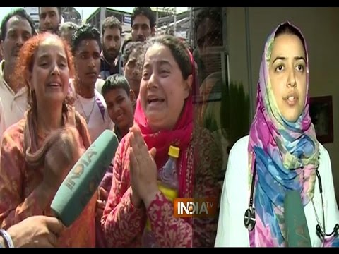 India TV Reunites Jammu Flood Victims With Their Family - India TV