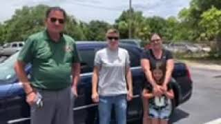 Happy customers at Julians Autoshopper's