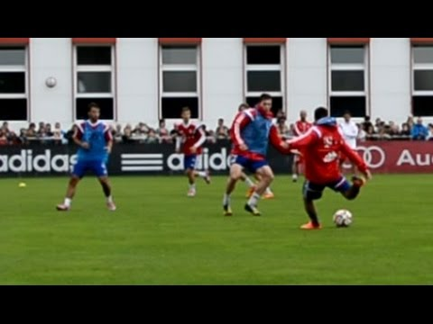 4 nice Goals during a 5 vs 5 FC Bayern training game - Ribery Guardiola Scholl Pizarro Bernat